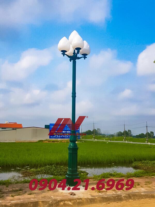 cột đèn trang trí sân vườn 5 bóng cầu sen