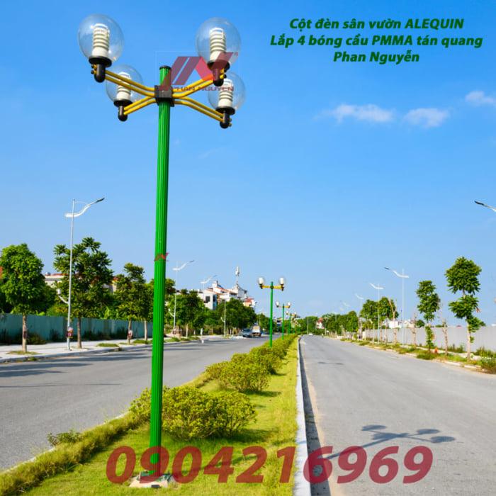 cột đèn sân vườn lắp cầu trong tán quang PMMA