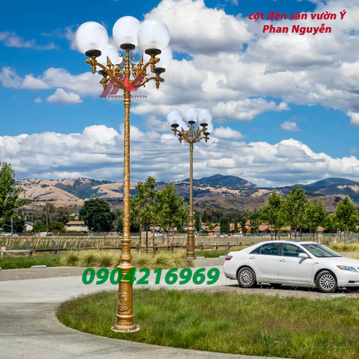 cột đèn sân vườn Ý