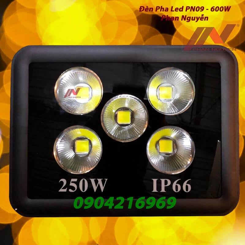 đèn đường pha led 250W