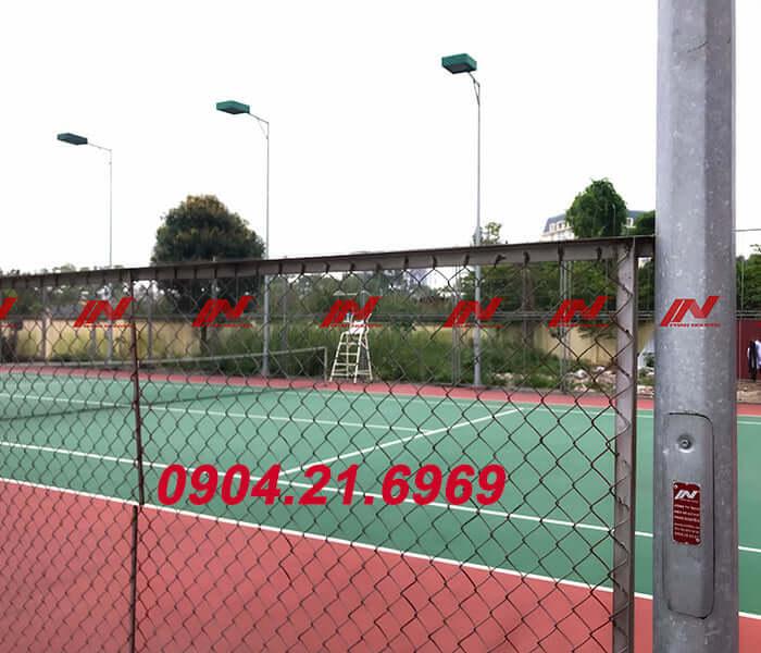 cột đèn sân tennis