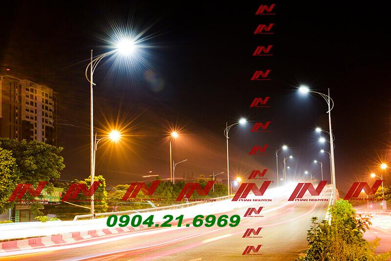 hệ thống cột đèn chiếu sáng