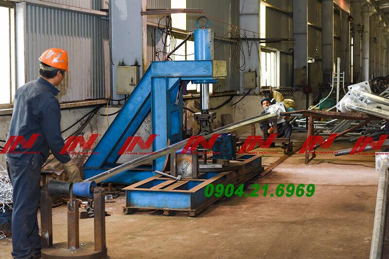 quy trình sản xuất cột đèn cao áp