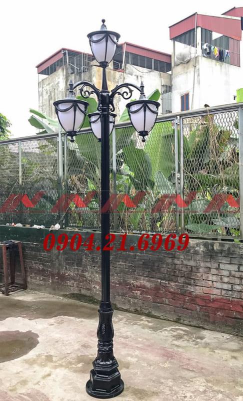 cột đèn sân vườn lắp bóng treo