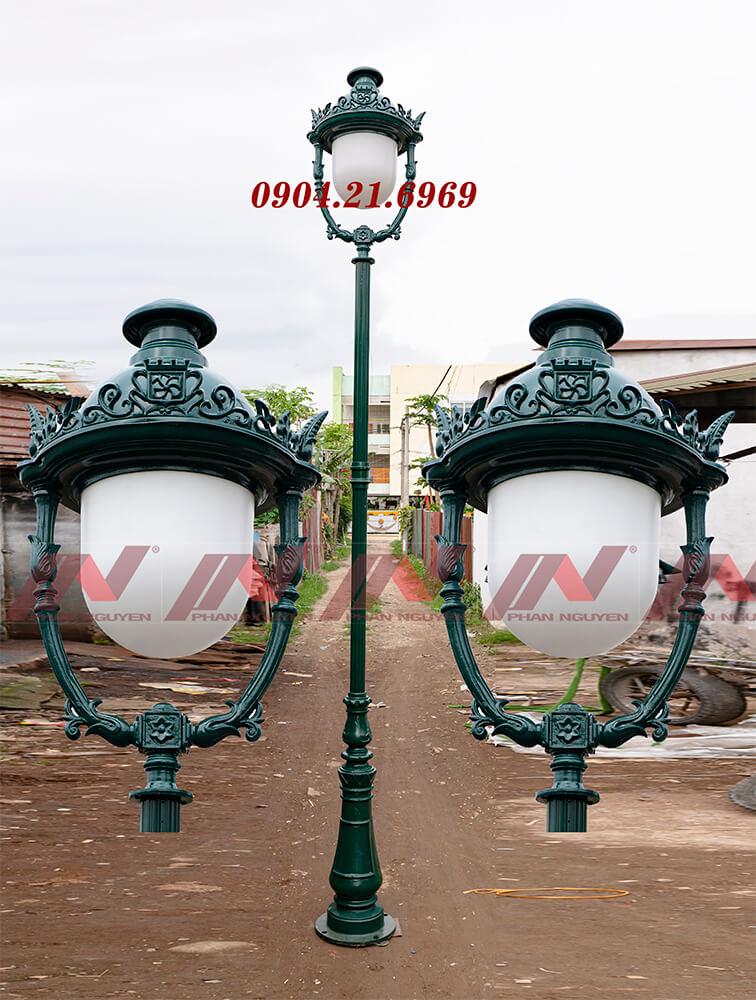 Cột đèn sân vườn DC06 lắp một bóng đèn